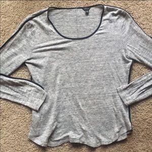 EUC Ann Taylor linen long sleeve T-shirt sz medium
